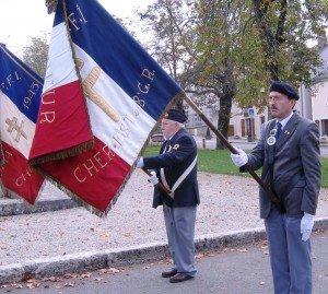 la Flamme 0_5 dans La Flamme de la Résistance 2012_drapeaux-cote-a-cote_img_3519-300x269